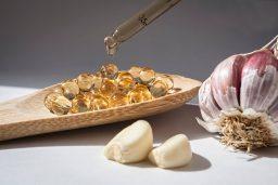 Garlic Supplements vs Fresh Garlic